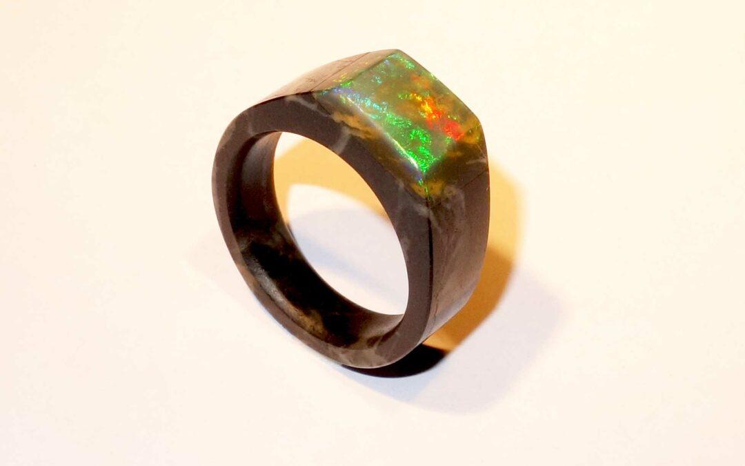 Produktudvikling og Industrielt Design Fremstilling af prototyper af smykker i sten og ædelsten